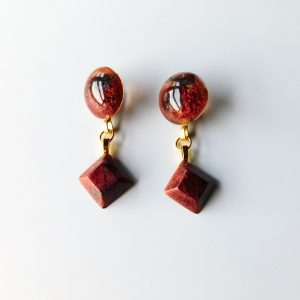 Boucle d'oreille Lisa rouge par Adaval bijoux